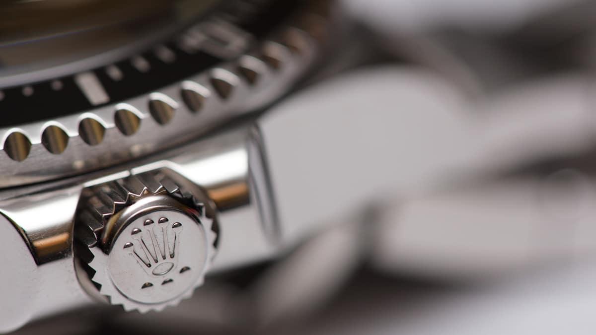Rolex karóra és a korona részlete
